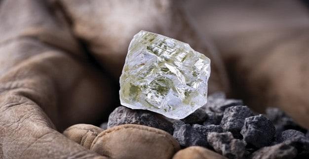 יהלום גלם פוקספייר ממכרה דיאבי