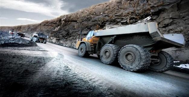 משאית מכרה יהלומים ג'ם דיאמונדס