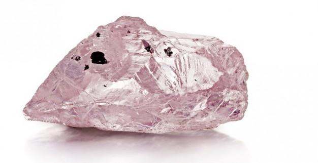יהלום ורוד במשקל 23.16 קרט ממכרה וויליאמסון פטרה