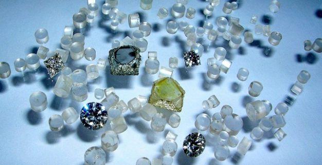 יהלומים סינתטיים פנסי