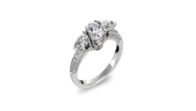 טבעת זהב לבן בשיבוץ יהלומים, אילימטה