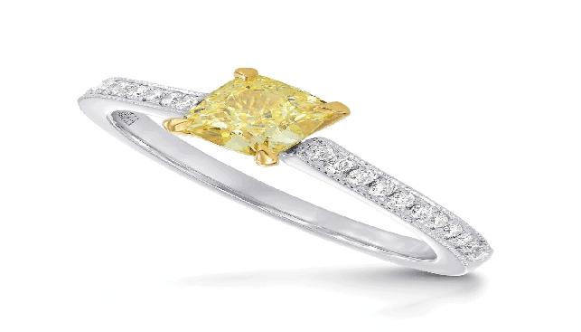 טבעת משובצת יהלום קושן פנסי צהוב