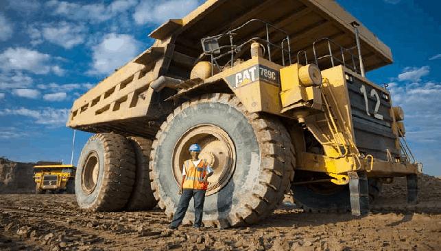 משאית קטרפילר במכרה אורפה, בוצוואנה