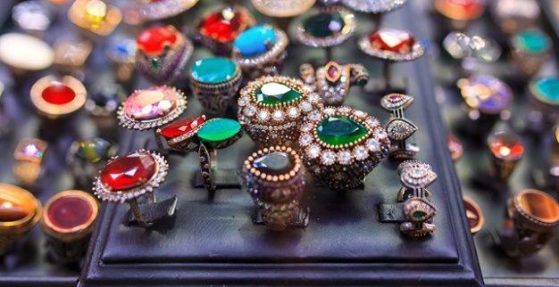 טבעות יהלומים ואבני חן שוק תכשיטים