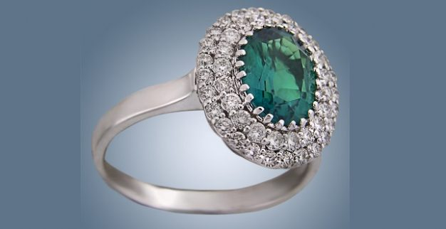 טבעת אמרלד ויהלומים של אנבינדר