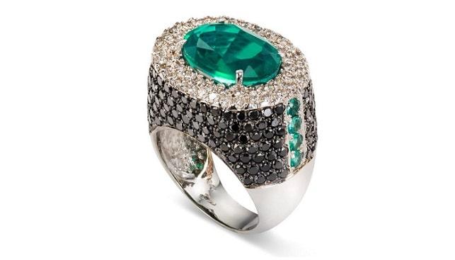 טבעת אמרלד של רוני טוחנר
