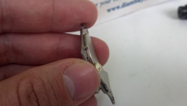 יהלום סינתטי דבוק למגנט
