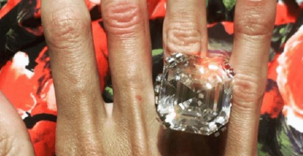 טבעת יהלום עצום אוליגרך