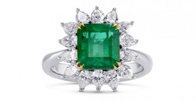 טבעת אמרלד ירוקה יהלומים