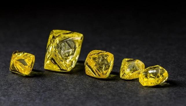 יהלומים צהובים מלוטשים צבעוניים