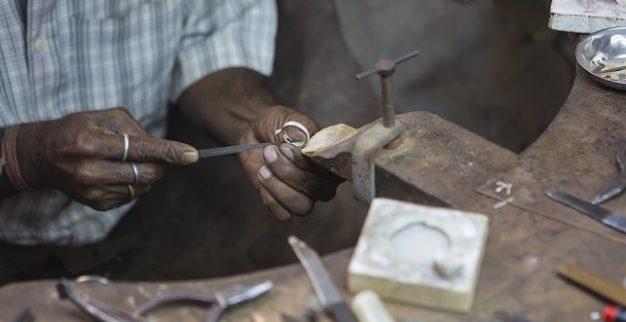 ייצור תכשיטים בהודו