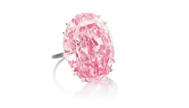 יהלום הכוכב הוורוד טבעת