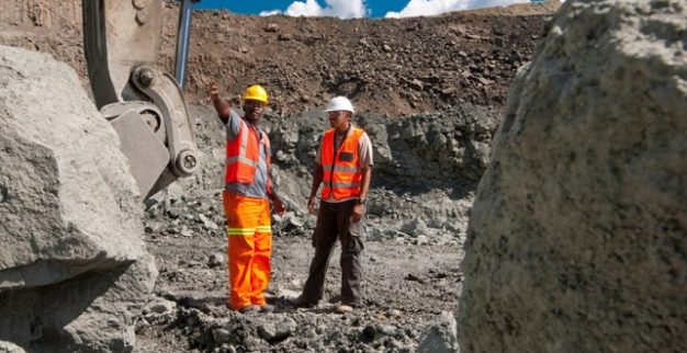 דה בירס מכרה יהלומים