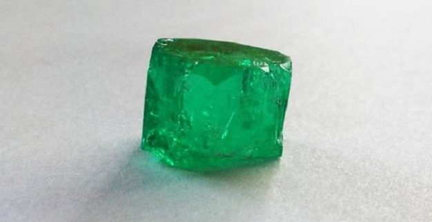 אמרלד אבן חן ירוקה