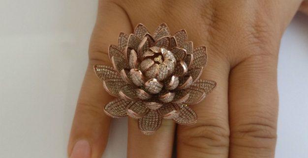 טבעת עם הכי הרבה יהלומים