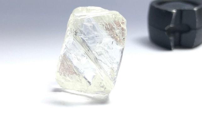 יהלום לבן גדול קנדה