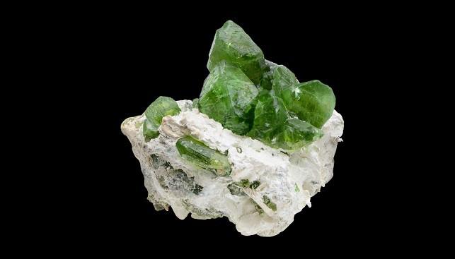 אבן חן פרידוט פקיסטן