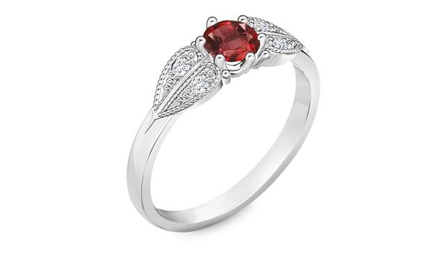 טבעת זהב לבן יהלומים רובי