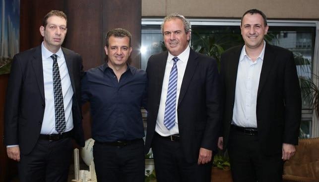 """מימין לשמאל: מנכ""""ל הבורסה ערן זיני, נשיא הבורסה יורם דבש, ראש העיר ר""""ג כרמל שאמה-הכהן, ויו""""ר מכון היהלומים בועז מולדבסקי"""