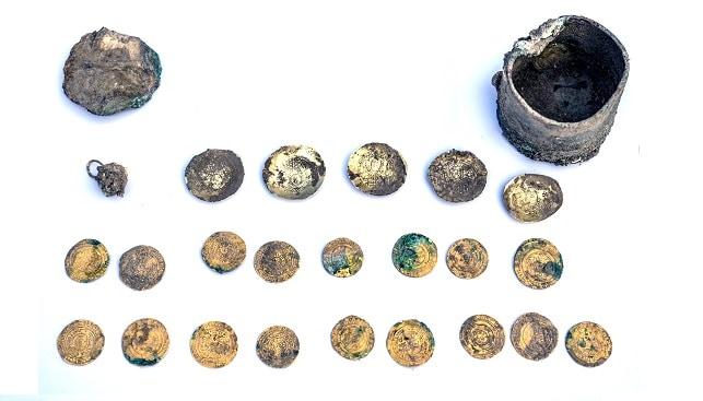 מטבעות עגיל זהב קיסריה