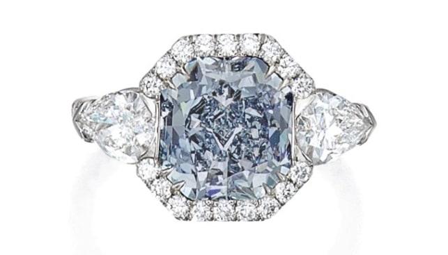 טבעת יהלום פנסי כחול