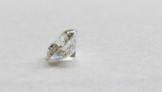 יהלום מלוטש לבן