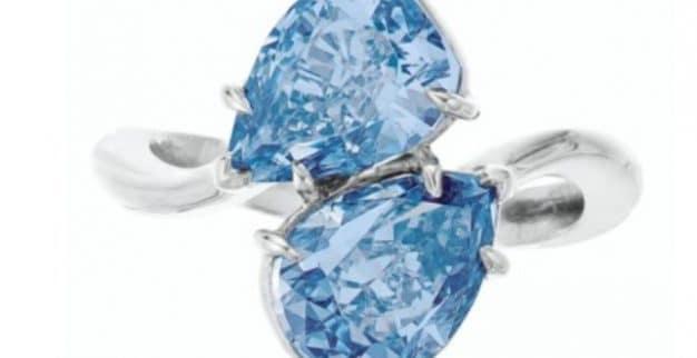טבעת יהלומים כחולים כריסטיס