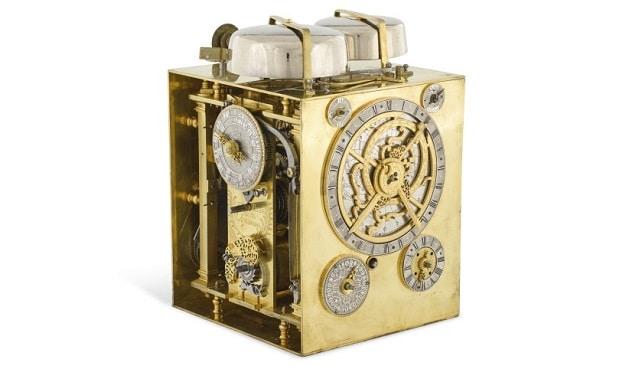שעון תיבה זהב סותביס