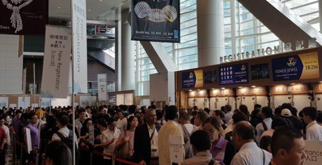 התורים בכניסה לתערוכת הונג קונג יוני 2019