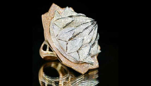 טבעת היהלום מקדש לוטוס