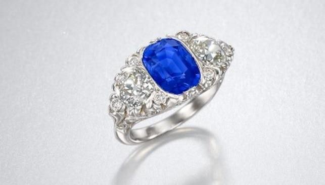 טבעת ספיר כחולה בונהמס