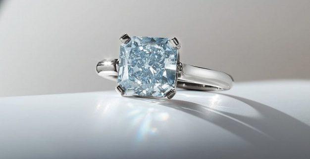 יהלום כחול נדיר כריסטיס פיליפס