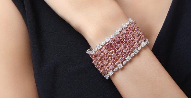 צמיד יהלומים ורודים סותביס