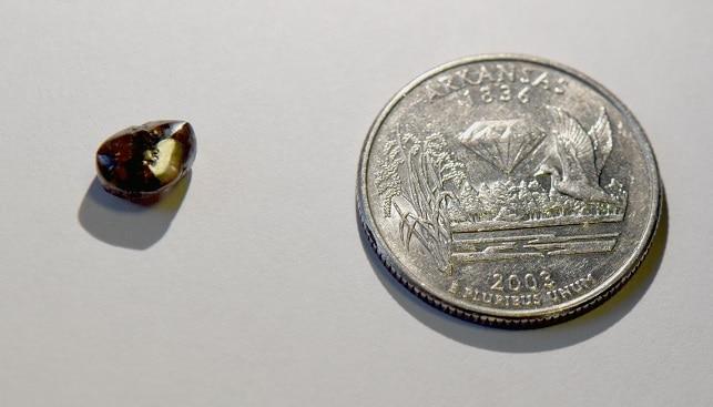 יהלום חום שהתגלה בפארק היהלומים בארקנסו