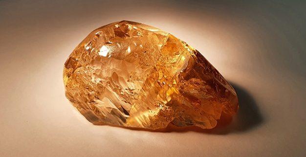 יהלום גלם ענק במשקל 236 קרט שהתגלה ברוסיה