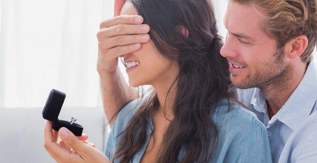 טבעת יהלום אירוסין נישואין