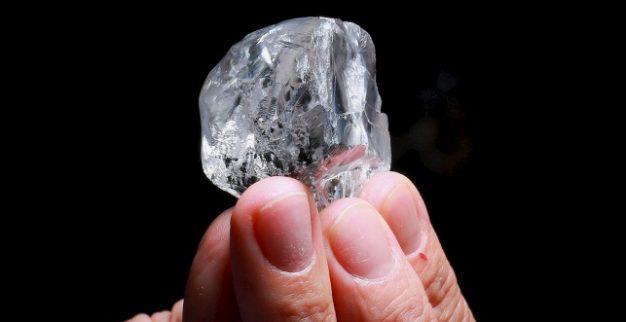 יהלום לבן במשקל 378 קרט של לוקרה